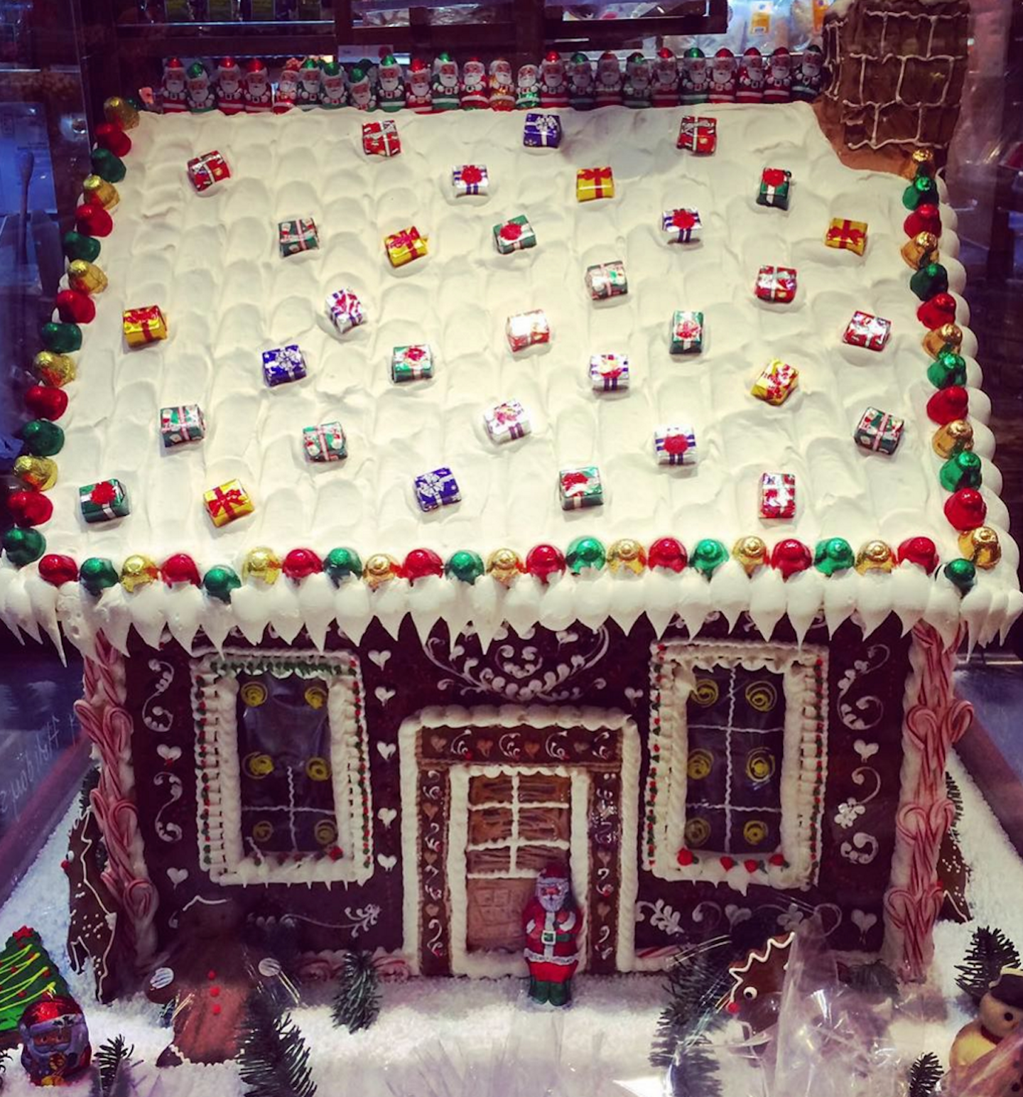 10 gingerbread houses you wish you could visit  and eat