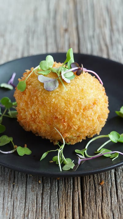 Mac and Cheese Scotch Egg