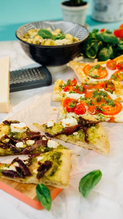 Pesto Flatbread with Caramelised Onion & Feta