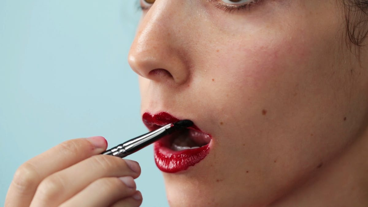 ho_2015_food-beauty-edible-diy-make-up_l_thumb.png