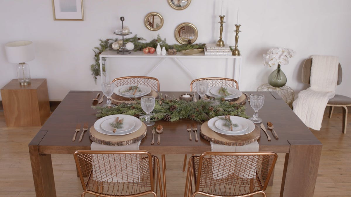 zillow_one_room_dining_room_l_rustic.png