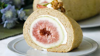 02_Milk_Tea_Fig_Roll_Cake_L_en-UK00_01_04_21Still001.png