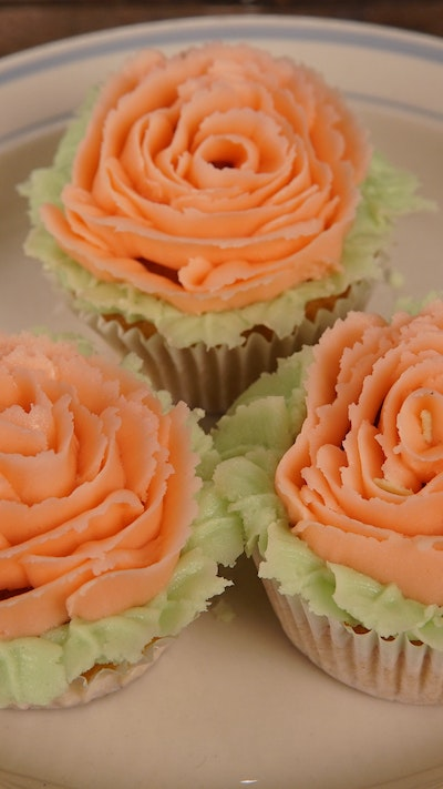 Piping a Rose on a Cupcake
