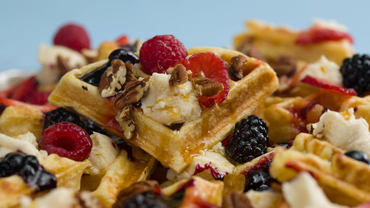 ho_545_breakfast-waffles-2-ways_thumbnail_l_en-US.jpg