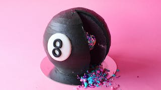 magic 8 ball cake_lc.jpg