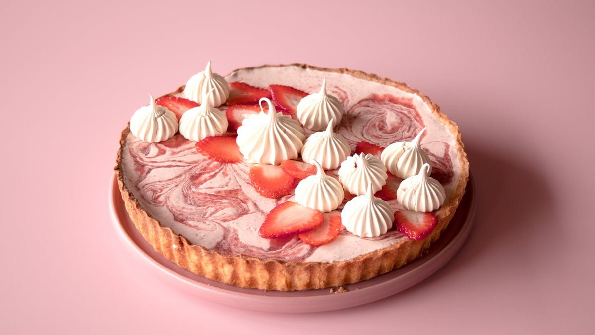Strawberry Mousse Tart_lc.jpg