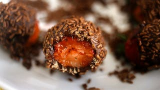STRAWBERRY CHOCOLATE TRUFFLE THUMB 1920x1080