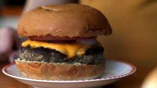 max-thumbnail-episode-hamburguer-de-bonnie-and-clyde