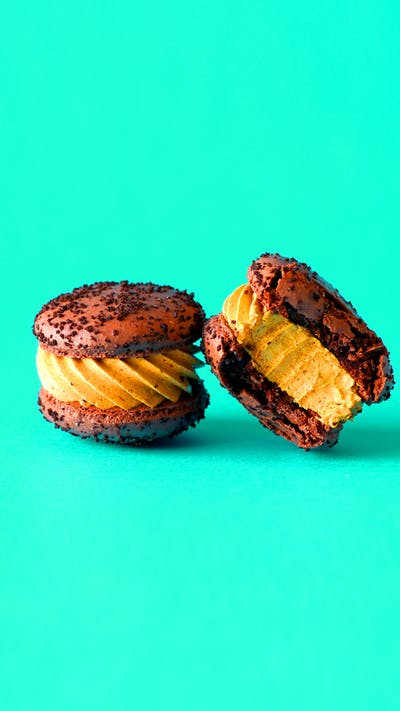 Chocolate Pumpkin Pie Macarons
