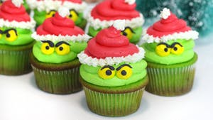grinch cupcakes.png