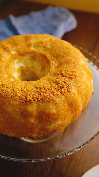 Mac & Cheese Crisp Bundt