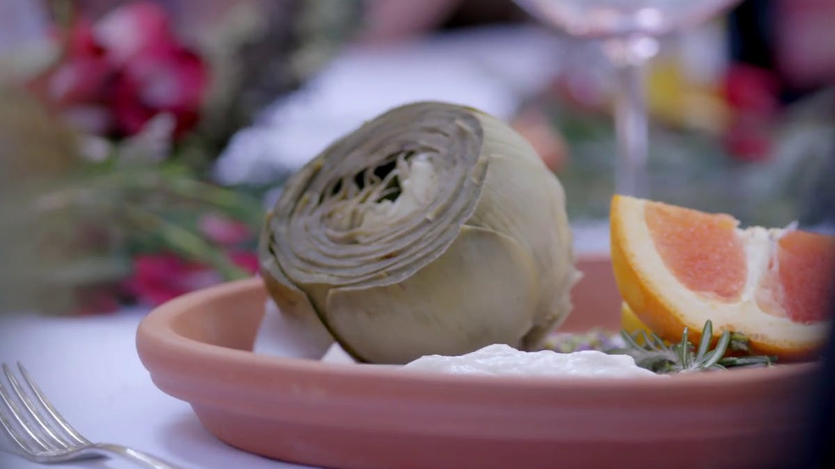 Steamed Artichoke with Garlic and Lime Dipping Sauce Image