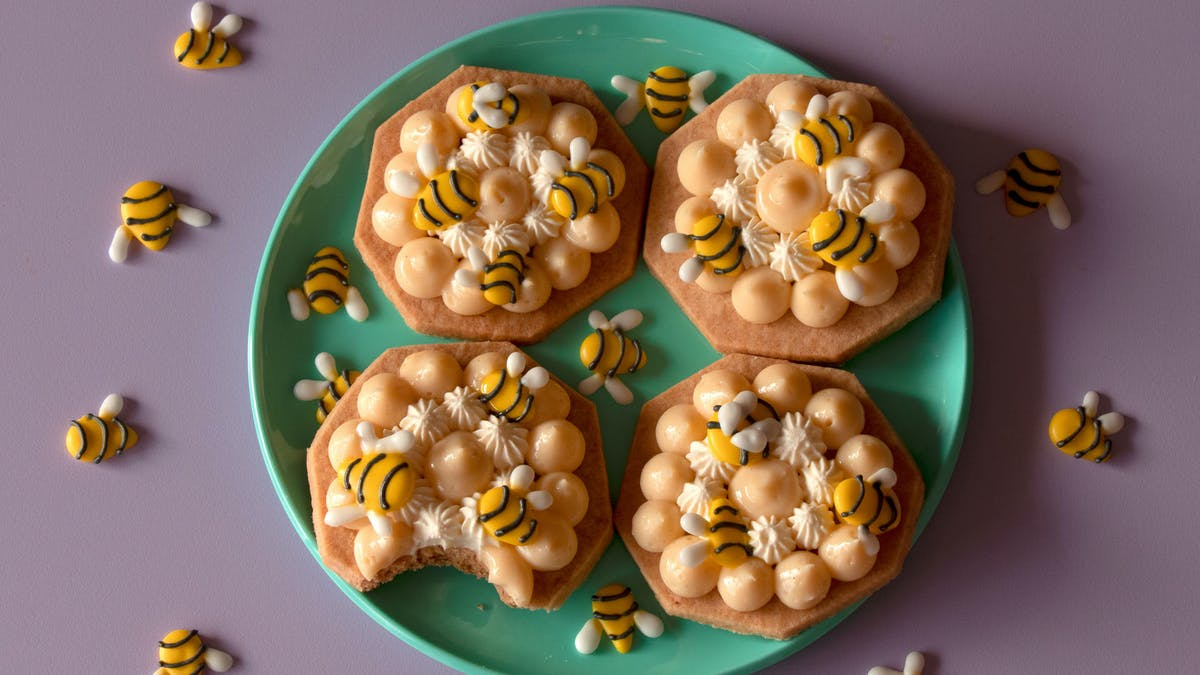 HONEY BEE COOKIES_lc.jpg