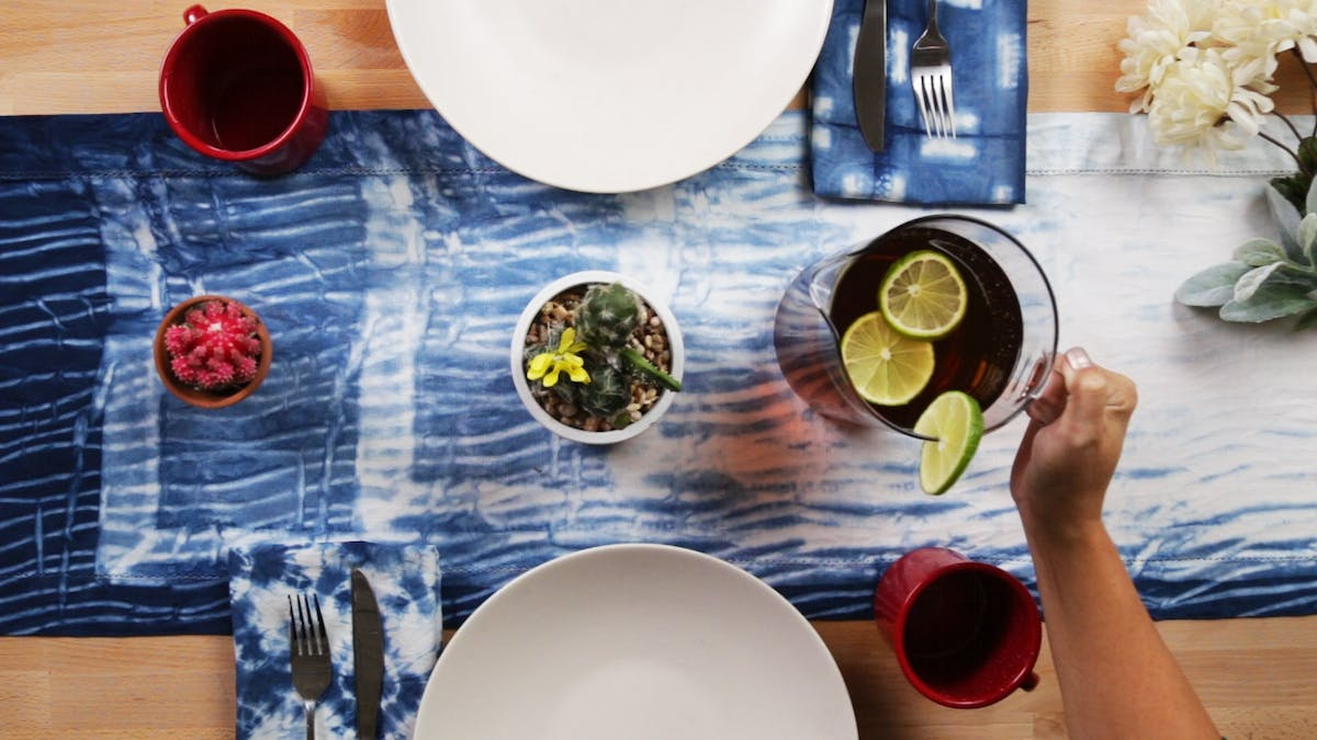 home_hod_297_indigo-shibori-table-runner_thumbnail_l_01.png