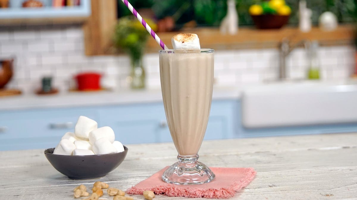 511_RoastedMarshmallowShake_DishLand1.jpg