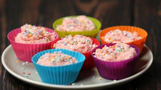 angel-delight-mini-cheesecakes_landscapeThumbnail_en-UK.png
