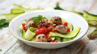 courgette-paperdelle-with-sausage-balls-and-tomato-sauce_landscapeThumbnail_en-UK.png