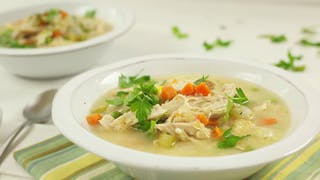healthy-af_s2e18_crock-pot-healthy-chicken-pot-pie-soup_landscapeThumbnail_en-US.png