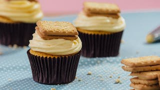 custard-cream-cupcakes_landscapeThumbnail_en-UK.jpeg