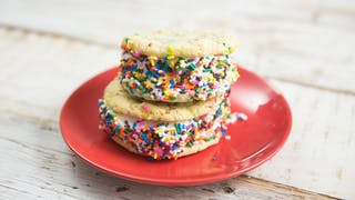 unicorn-cookie-sandwiches_landscapeThumbnail_en-US.jpeg