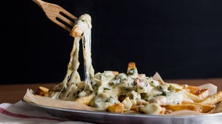 hungry-af_s3e23_Spinach-and-artichoke-cheese-fries_landscapeThumbnail_en-US.jpeg