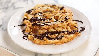 chocolate-and-lime-funnel-cakes_landscapeThumbnail_en-UK.png
