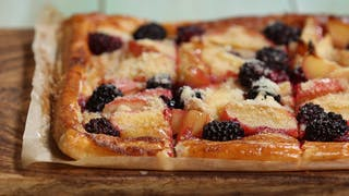apple-blackberry-tart_landscapeThumbnail_en-UK.png
