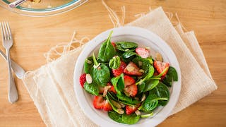 STRAWBERRY AND SPINACH SALAD WITH POPPY SEED DRESSING HIGH RES IMAGE 1920X1080