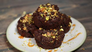 vegan-pistachio-fudgy-brownies_landscapeThumbnail_en-UK.png