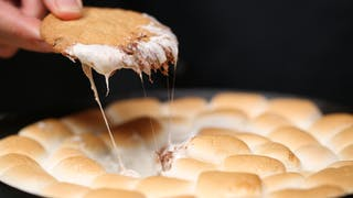 cookies-with-gooey-marshmallow-dip_landscapeThumbnail_en-UK.png