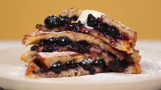 blueberry-french-toast-maple-syrup-cream_landscapeThumbnail_en-UK.png