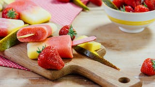 mango-and-strawberry-ice-lollies_landscapeThumbnail_en-UK.png