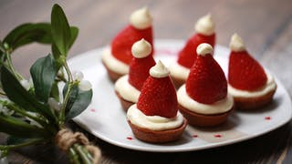 strawberry-and-chocolate-father-christmas-hats_landscapeThumbnail_en-UK.png