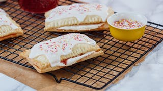 pop-tarts-2_landscapeThumbnail_en-UK.jpeg