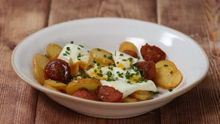 smashed-eggs-with-chorizo_landscapeThumbnail_en-UK.png