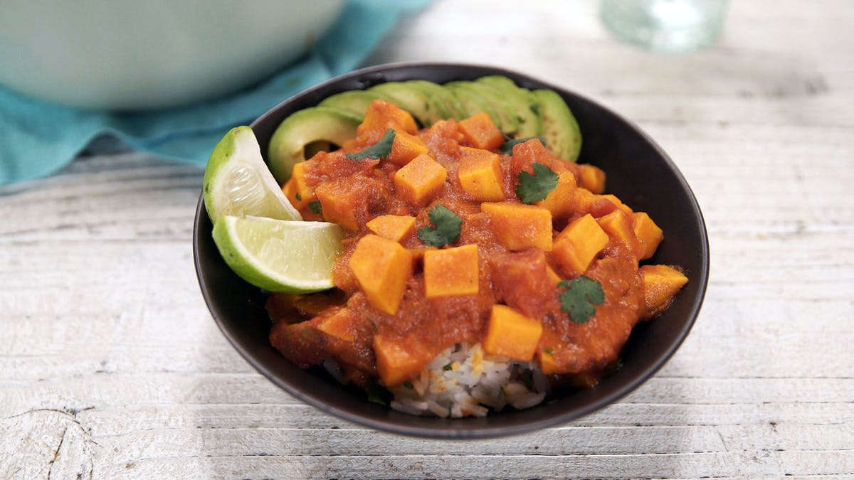 110_ThaiCoconutSweetPotatoCurry_DishLand.jpg
