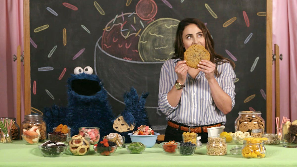 TheScoop_CookieMonster_Land1.jpg