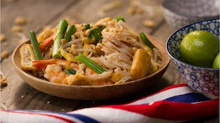 pad-thai-traditionnel_landscapeThumbnail_fr.png