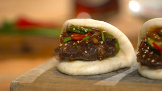 korean-braised-short-ribs-on-steamed-buns_landscapeThumbnail_en-US.png