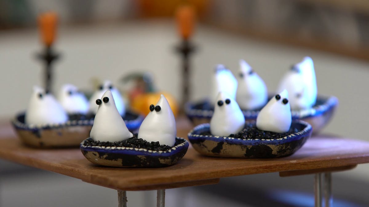 tiny-kitchen_s6e10_tiny-ghost-meringue_landscapeThumbnail_en.png