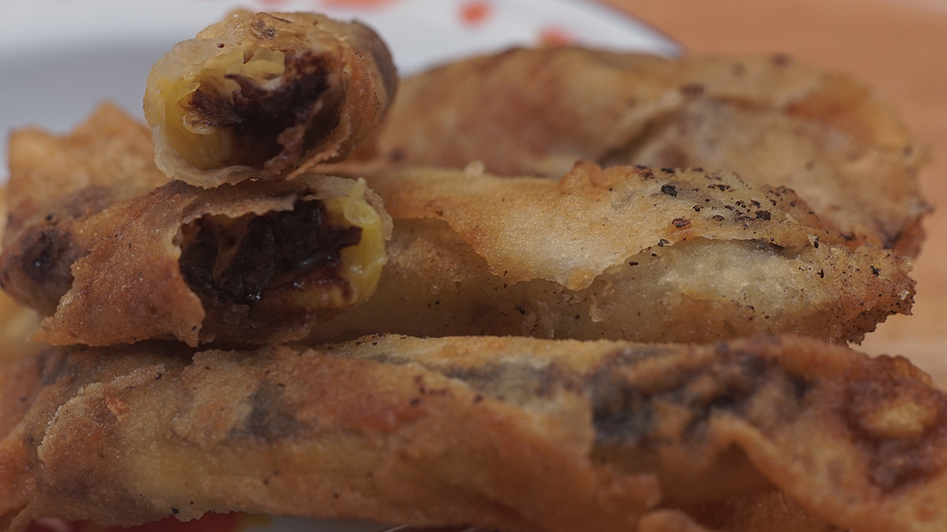 Fried chocolate banana spring roll recipe tastemade forumfinder Image collections