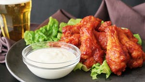 Red-Hot-Chicken-Wings-with-Cheese-Sauce_landscapeThumbnail_en.png