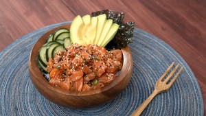 SALMON POKE BOWL 16x9