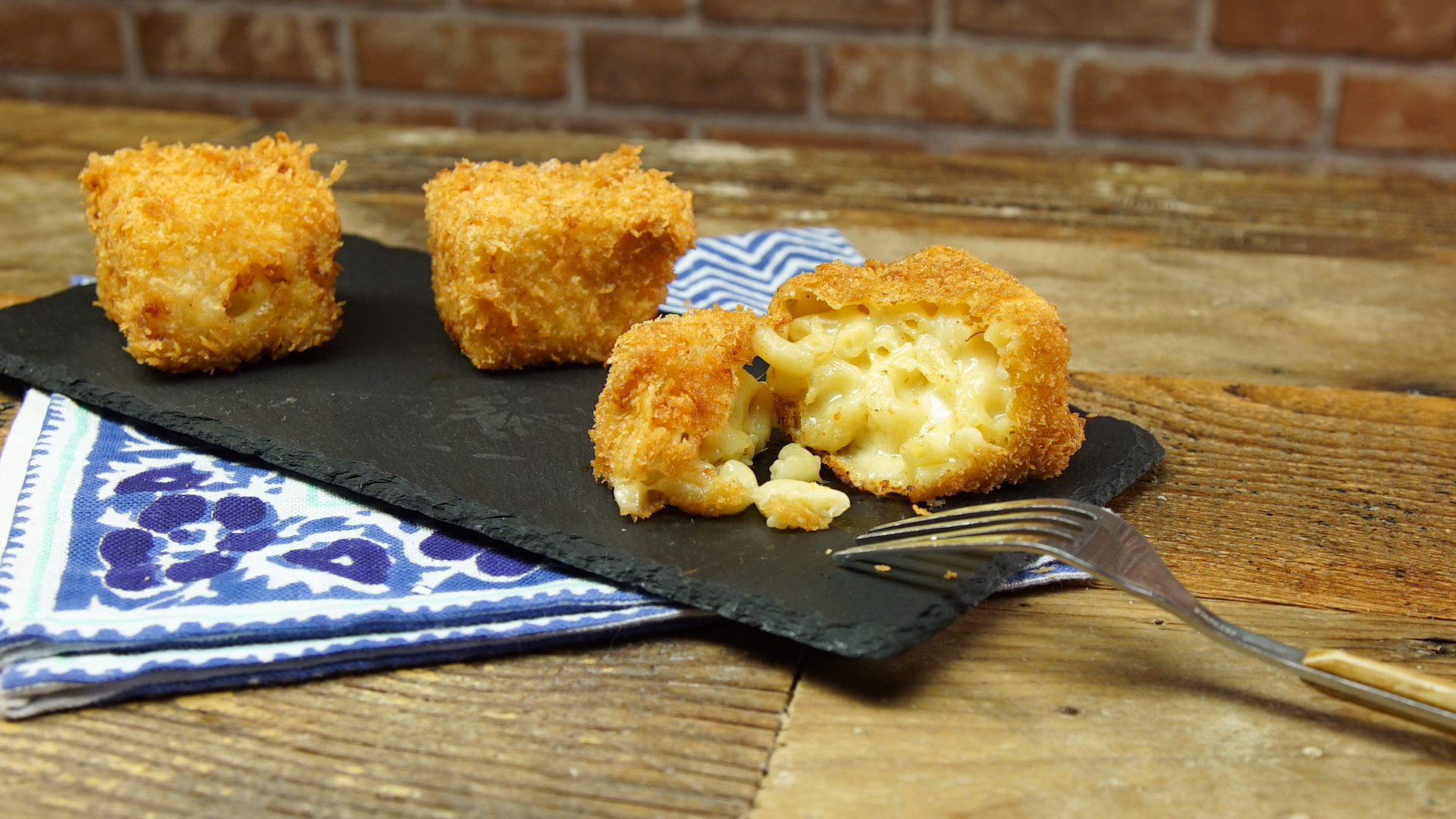 how to make fried mac and cheese squares