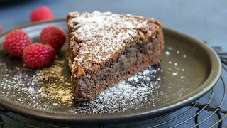 chocolate-brownie-cake_landscapeThumbnail_en.jpeg