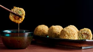 hungry-af_s4e8_leftover-fried-rice-balls_landscapeThumbnail_en.png