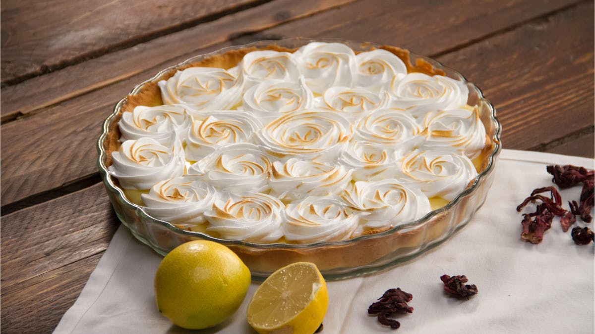 lemon-meringue-pie-recipe_landscapeThumbnail_en.png