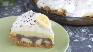 chocolate-peanut-butter-banana-cream-pie_landscapeThumbnail_en-US.png