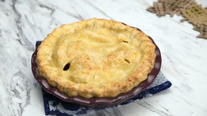 cheddar-apple-pie_landscapeThumbnail_en.jpeg
