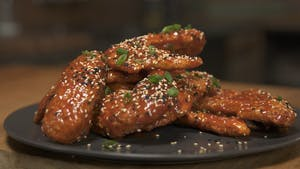 Honey Sriracha Wings 16x9 no text